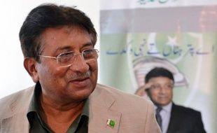 """L'ancien chef militaire et président pakistanais Pervez Musharraf, qui compte se présenter en mai aux élections dans son pays, a affirmé qu'il voulait """"libérer"""" le Pakistan du terrorisme, dans un entretien mis en ligne samedi sur le site internet du magazine Der Spiegel."""