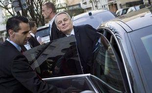 """Jean-Marc Ayrault a appelé mercredi sur France Inter l'opposition """"républicaine"""" de droite à prendre sa """"part de responsabilité"""" pour préserver la """"cohésion nationale"""" et a lancé un appel au calme sur le front du mariage gay."""