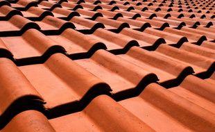 Des tuiles sur un toit. Illustration.