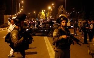 Des gardes-frontières israéliens contrôlent les lieux d'une attaque anti-israélienne près des colonies du Goush Etsion, en Cisjordanie occupée