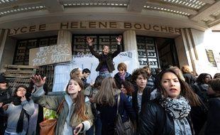 En 2010, les élèves du lycée Hélène Boucher (20e) s'opposent à la réforme des retraites.
