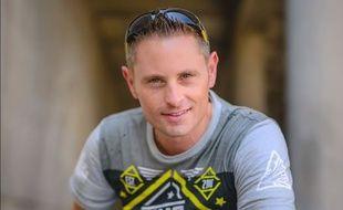 Le Youtubeur Grant Thompson est décédé dans un accident de parapente.
