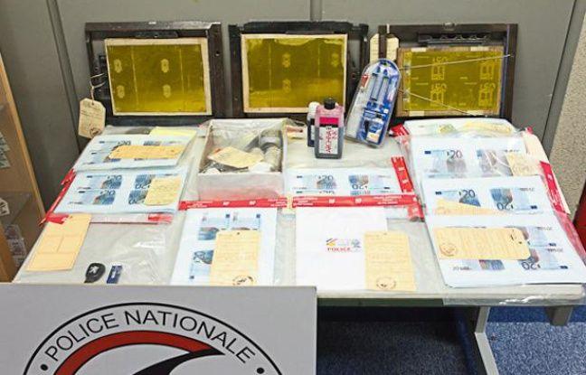 Une partie de la fausse monnaie saisie par la police à Courtry, en Seine-et-Marne, le 12 et 13 juin 2012.