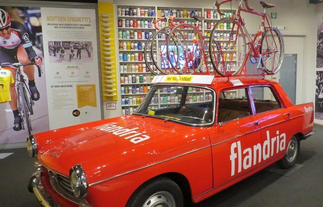 Une voiture de la mythique équipe flamande Flandria dans le musée du Tour des Flandres