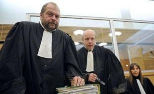 Les avocats de Ange Toussaint Federici, Eric Dupond-Moretti, Dominique Le procès de la tuerie des Marronniers s'est ouvert mardi devant la cour d'assises des Bouches-du-Rhône, où Ange Toussaint Federici comparaît pour l'assassinat de trois hommes en avril 2006 dans un bar de Marseille.