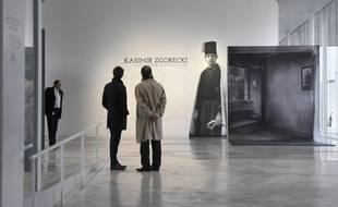 L'entrée de l'exposition photographique sur les polonais du Nord, au Louvre-Lens.