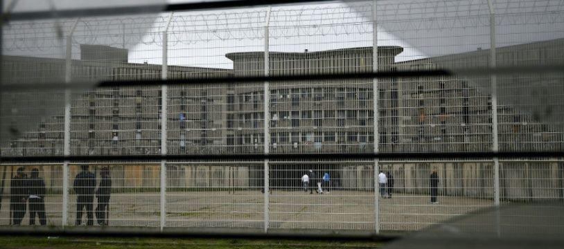 Une cour de la prison de Fleury-Mérogis, en région parisienne, le 29 octobre 2015