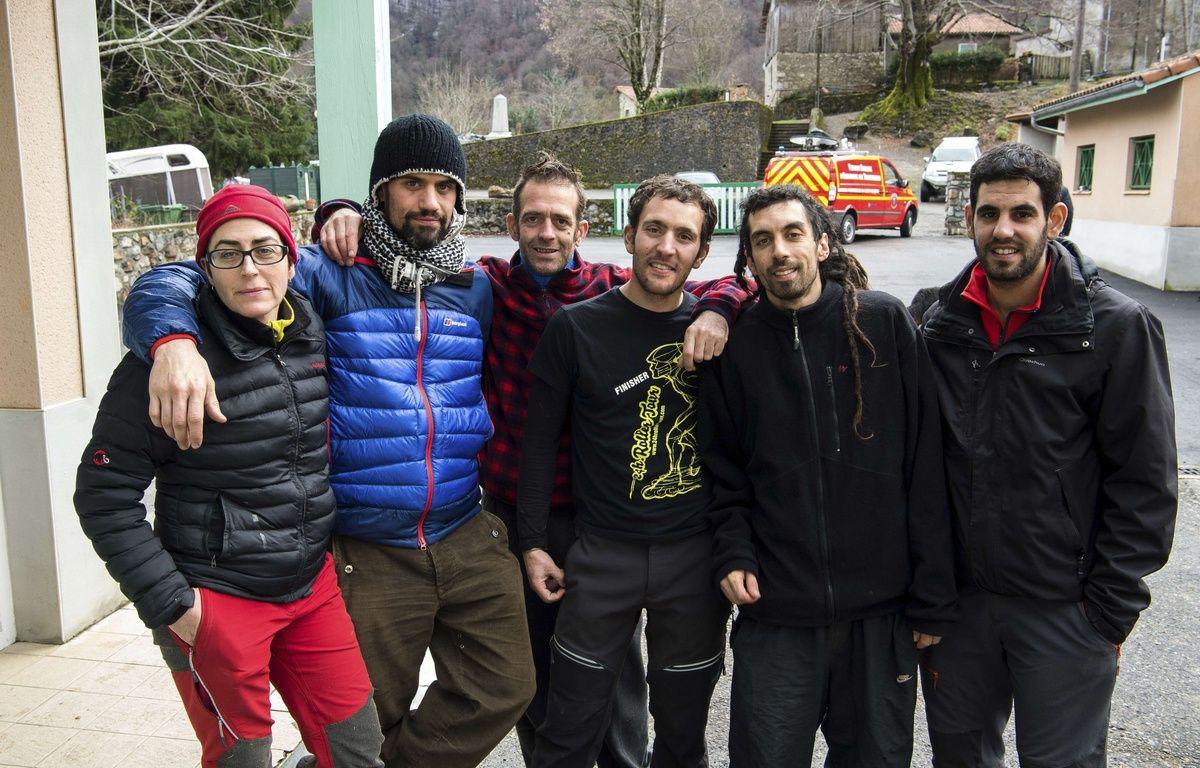 Six des sept spéléologues espagnols secourus à Herran (Haute-Garonne), le 10 février 2016. – Fred Lancelot/AP/SIPA