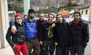 Six des sept spéléologues espagnols secourus à Herran (Haute-Garonne), le 10 février 2016.