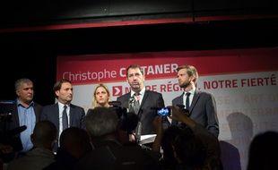 Ladislas Polski, Cécile Muschotti et Christophe Pierrel entourant Christophe Castaner le soir du premier tour des régionales.