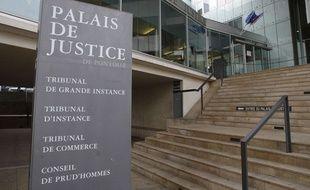 Le tribunal de Pontoise.