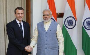 Emmanuel Macron et le Premier ministre indien Narendra Modi le 10 mars 2018 à New Delhi.