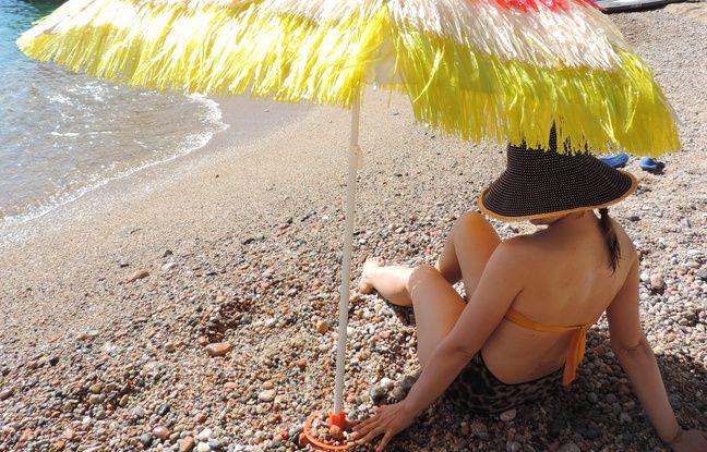 Le support fonctionne aussi pour les plages de galets.