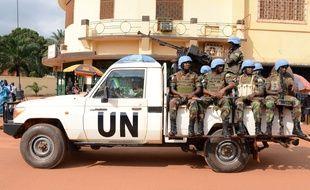 Des soldats de la Minusca, la Mission des Nations unies en Centrafrique, patrouillent à Bangui. (Photo illustration).