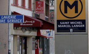 Illustration de la Grande Rue Saint-Michel, Toulouse, le 28 novembre 2007.