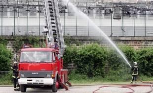 En 2008, un incendie s'était déjà déclenché dans le centre de rétention administrative de Vincennes (Val-de-Marne).