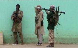 Trois des sept otages algériens enlevés le 5 avril au consulat d'Algérie de Gao, dans le nord-est du Mali, par des membres d'un groupe islamiste armé, ont été libérés, a confirmé dimanche le ministre algérien des Affaires étrangères, Mourad Medelci.