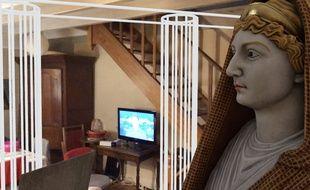 Un dispositif numérique en réalité augmentée de l'exposition Pompéi au Grand Palais permet de faire apparaître une statue antique de Livie dans son salon (et de regarder Edouard Philippe sur TF1)