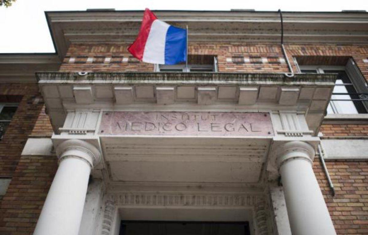 Entrée de l'Institut médico-légal (IML) de Paris le 16 octobre 2014 – Martin Bureau AFP