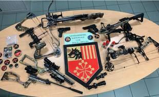 Les armes découvertes au domicile de l'homme accusé de tirer sur des façades de maisons