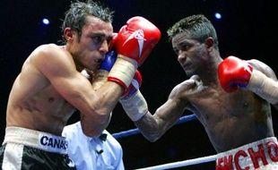 Brahim Asloum lors de son combat contre Lorenzo Parra, le 5 décembre 2005.