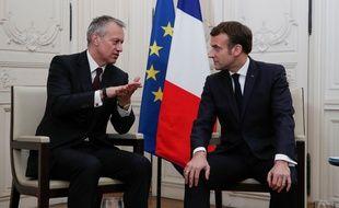 """Emmanuel Macron avec le PDG de Coca-Cola, James Quincey à l'occasion du sommet """"Choose France"""", lundi 20 janvier 2020. (Benoît Tessier / AFP)"""