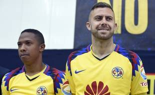Jérémy Menez, nouveau joueur du club America a été chaleureusement accueilli par plus de 20,000 supporters Mexicains lors de sa présentation au stade Azteca, le 26 janvier, à Mexico.