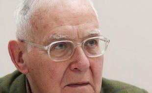 L'écrivain Robert Sabatier est décédé jeudi en région parisienne à l'âge de 88 ans, a-t-on appris auprès de son éditeur Albin Michel.