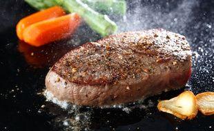 La plancha permet de faire cuire les aliments sans matière grasse, ou presque.