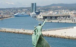 La justice européenne a donné tort à l'Etat, qui demandait le report du remboursement par la SNCM d'aides publiques, une décision relativisée par la compagnie qui espère décrocher la semaine prochaine la délégation de service public pour assurer les liaisons entre Marseille et la Corse.