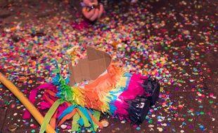Confettis et piñata. (Illustration)