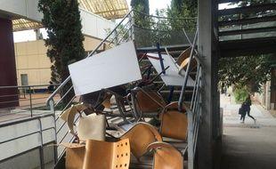 Des barricades, à la faculté de lettres de Montpellier.