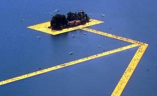 Le Lac d'Iseo en Italie et l'oeuvre de Christo
