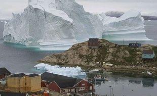 L'iceberg pourrait se rompre et déclencher un tsunami.