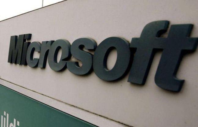 Devant le siège de Microsoft à Redmond.