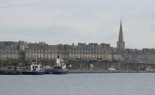 Le port et les remparts de Saint-Malo.