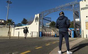Un supporter devant la Commanderie à Marseille