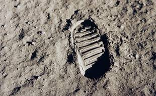 Une empreinte de pas de Buzz Aldrin sur la surface de la Lune, le 20 juillet 1969