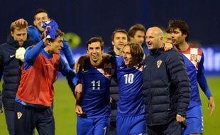 """La Croatie s'est imposée face à la Serbie 2 à 0 lors du premier match entre les deux anciens ennemis depuis la guerre d'indépendance croate (1991-95), vendredi sur fonds de chants des supporteurs croates clamant """"tue le Serbe"""""""