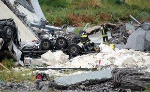 Au moins39 personnes sont mortes dans l'effondrement d'une portion de viaduc de l'autoroute A10 mardi 14 août, à Gênes.