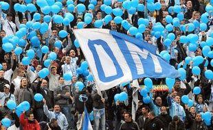Les supporters de l'Olympique de Marseille, lors du match OM - Grenoble, le 12 avril 2009 au stade Vélodrome.