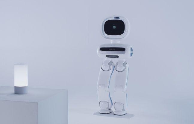 Le robot majordome Walker d'Ubtech Robotics, centre névralgique des futures maisons intelligentes.