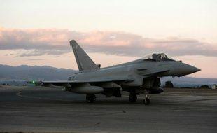 Un avion de combat Typhoon de l'armée britannique, le 3 décembre 2015 sur la base britannique de Akrotiri, à Chypre