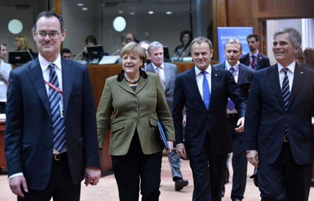 Un compromis se dessinait tôt vendredi matin entre dirigeants européens sur le futur budget de l'UE jusqu'en 2020 entre ceux, emmenés par le Royaume-Uni, qui exigent de coupes sévères dans les dépenses et les défenseurs d'un cadre plus ambitieux comme la France et l'Italie. – Bertrand Langlois afp.com
