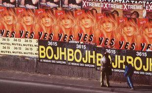 Des publicités pour le minitel rose dans les années 1980-1990
