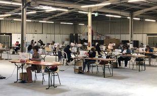 Une usine à masques a été créée dans le parc des expositions de La Teste (Gironde)