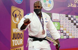 Le judoka français Teddy Riner réagit à la suite de sa victoire en finale de la catégorie masculine des plus de 100 kg lors du World Judo Masters à Doha, le 13 janvier 2021.