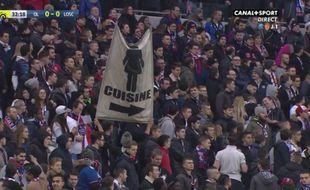 Capture d'écran de la banderole de la honte à Lyon