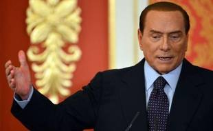L'Italie est en train de tourner pour de bon la page Silvio Berlusconi: deux jours après sa décision de ne plus briguer la tête du gouvernement, le Cavaliere a été condamné pour fraude fiscale, tout un symbole à l'ère de son successeur, l'austère Mario Monti.