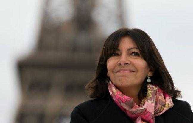 La maire de Paris, Anne Hidalgo, photographiée le 2 décembre 2015 dans la capitale.